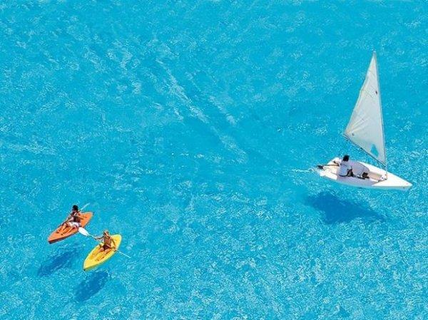 Бассейн в Алгаробо — самый большой бассейн в мире