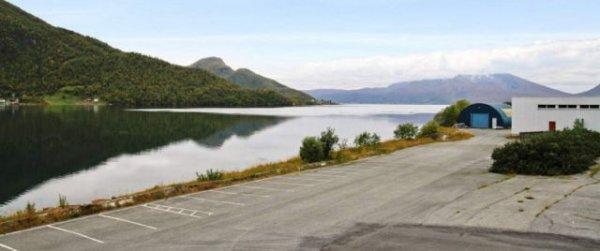 База подводных лодок в Норвегии ушла с молотка