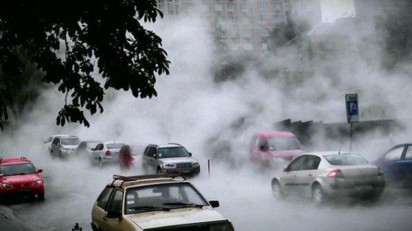А тем временем в Киеве варят дороги