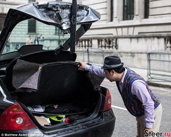 В Лондоне взорвали неправильно припаркованный автомобиль