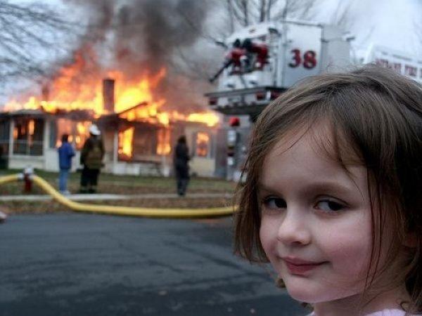 Дьявольская улыбка поджигательницы