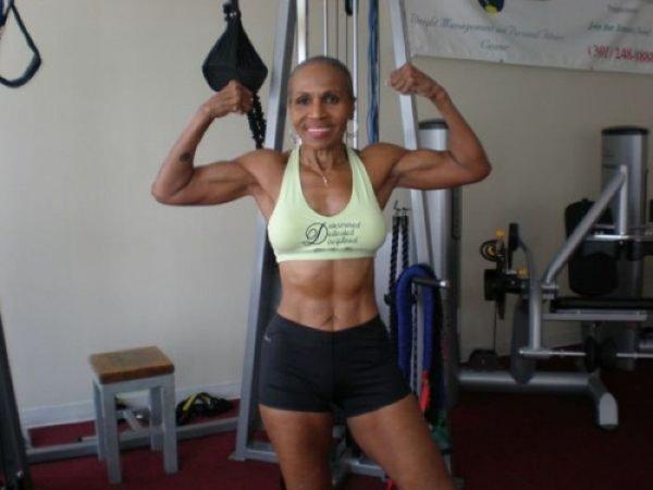 75-летняя бодибилдерша