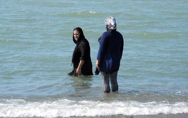 Иранские пляжные красотки