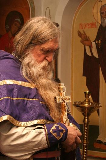 Священник-сталинист о Пусси и попах на иномарках