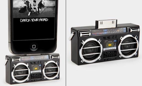 Мини-бумбокс для iPhone и iPad
