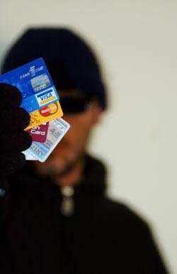 Мошенник похитил с банковской карточки брестчанина 53 тысячи евро