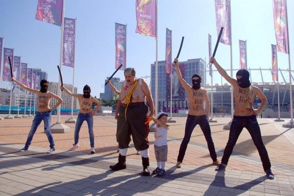 FEMEN �������� ����� � ���� ������ ����-2012