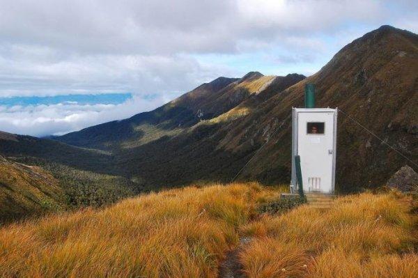 Самые отдаленные туалеты в мире