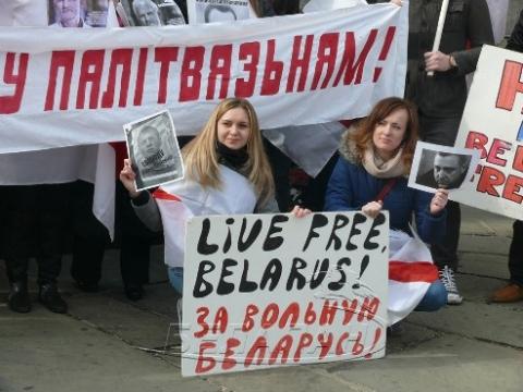 Почему белорусы не верят ни власти, ни оппозиции?