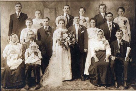 В Беларуси становятся старше и женихи, и невесты