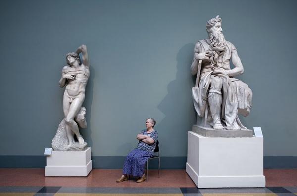 Смотрительницы музеев