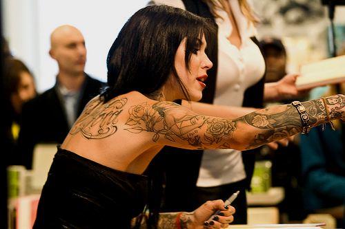 Татуированные красивые девушки