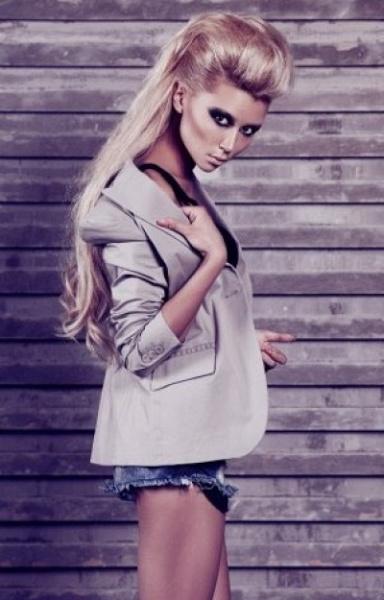 Юная дочь Заворотнюк снялась в откровенной фотосессии
