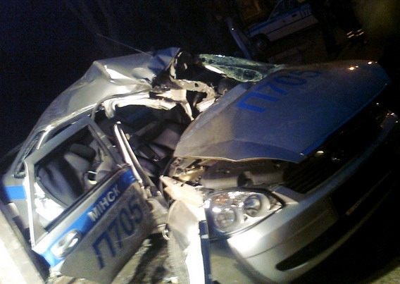 В Минске в погоне за пьяным водителем разбился экипаж ГАИ - фото