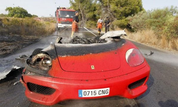 Ferrari после замыкания