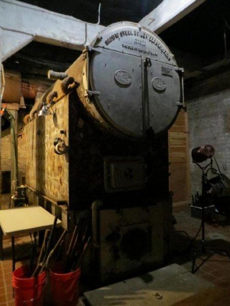 Фоторепортаж со студии где снимают фильмы для взрослых