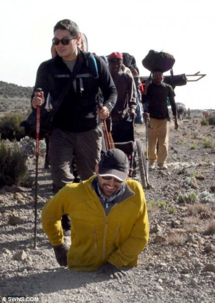 На Килиманджаро на руках