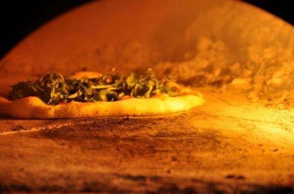 Пицца с колес!