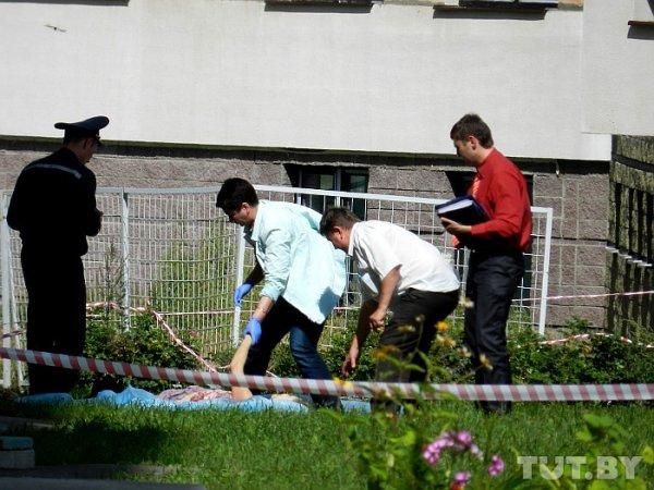 Страшная трагедия в Минске: женщина выбросилась с 9-го этажа вместе с двумя детьми