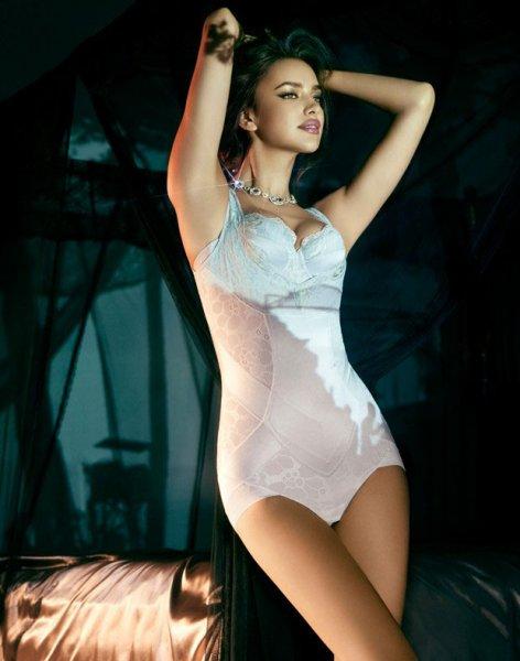 Ирина Шейк в нижнем белье La Clover