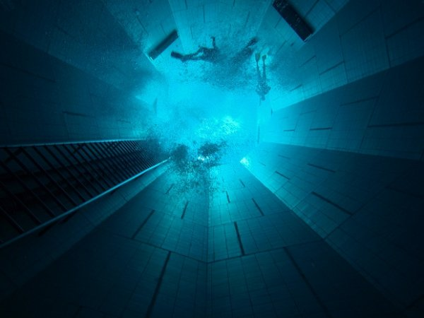 Самый глубокий закрытый бассейн в мире