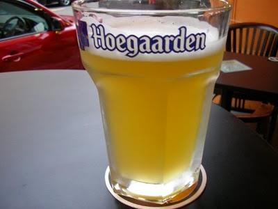 Форма кружки влияет на скорость потребления пива