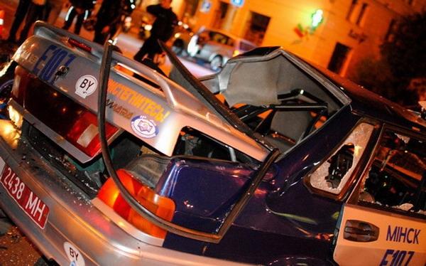 В Минске байкер влетел в машину милиции и погиб