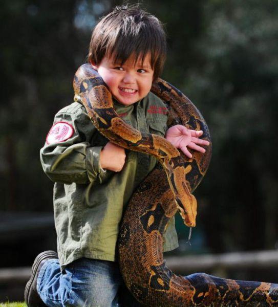 Маленький Маугли и его питон