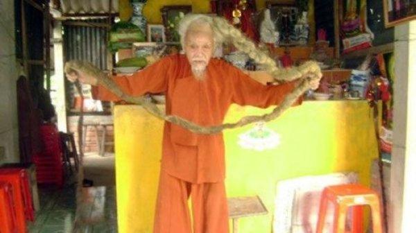 Без парикмахера 70 лет
