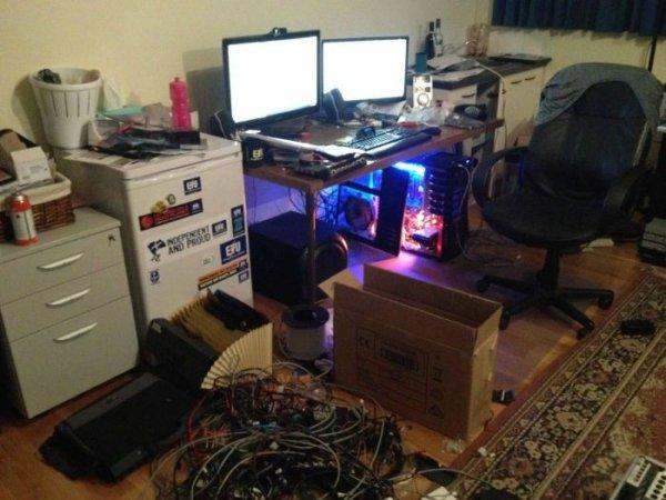 Комната компьютерного задрика 90 lvl