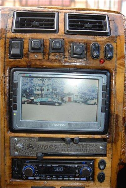 ТАЗ-21099 с деревянным салоном