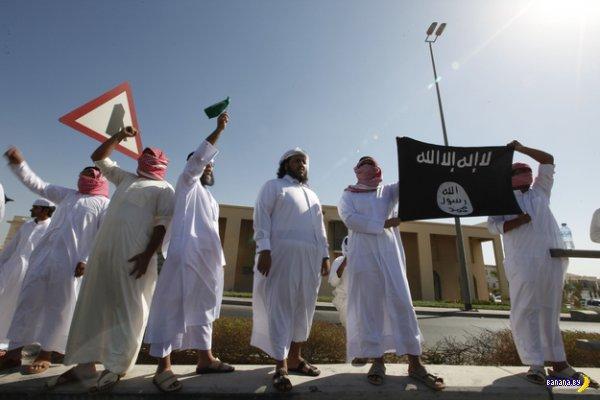 Исламисты поднимают черные флаги