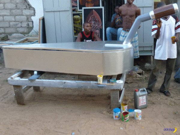 Новые гробы из Ганы