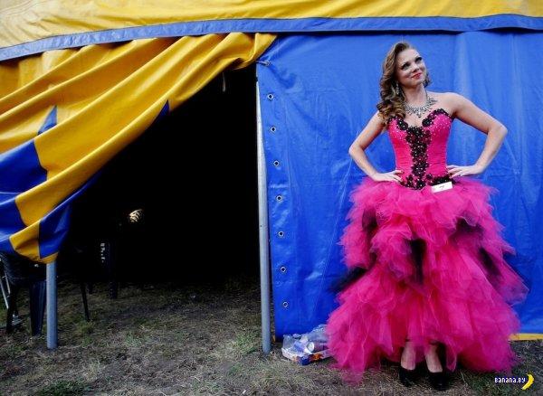 """10 фото с конкурса """"Мисс Венгрия с шестом"""""""