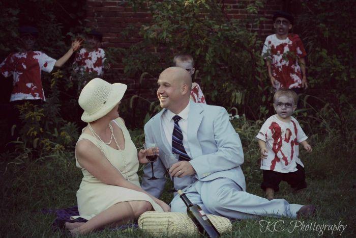 Семейное фото и зомби