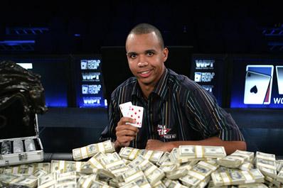 Сильнейшему игроку в покер не выдают его выигрыш