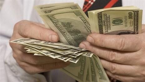 МВД: работники банков не всегда могут выявить фальшивые деньги
