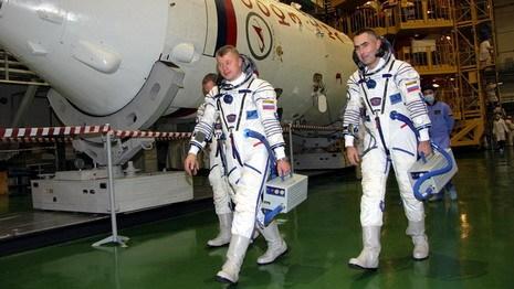 Белорус будет управлять Международной космической станцией