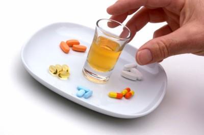 Чем запивать лекарства
