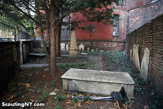 Самое маленькое кладбище Манхэттена
