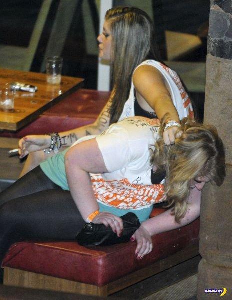 Снова пьяные британские студенты