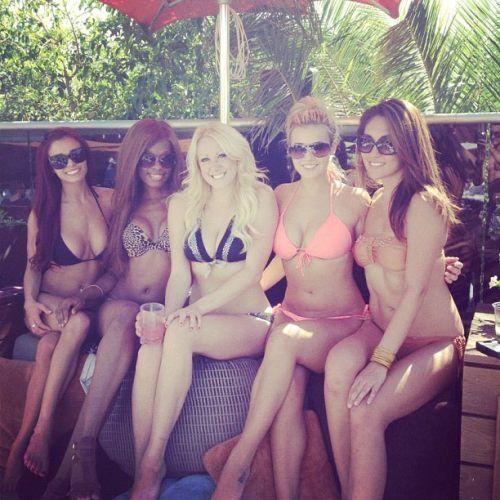 Ciara Price и фото из ее твиттера