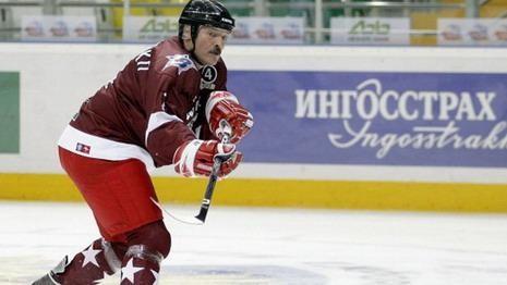 Лукашенко требует покончить с финансовыми излишествами в спорте