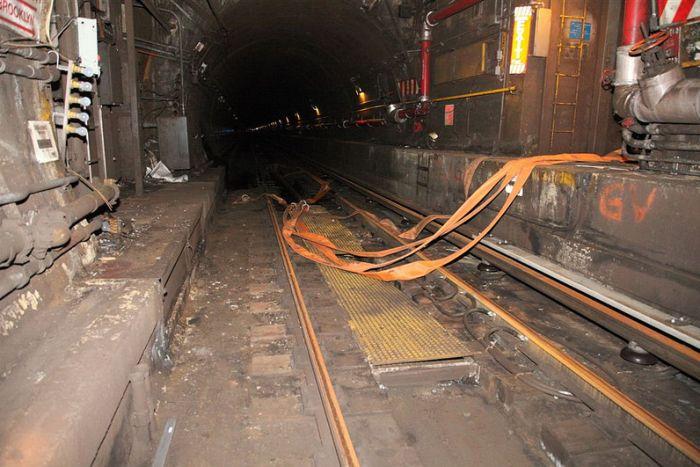 А тем временем в метро в Нью-Йорке