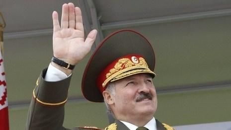 Лукашенко требует совершенствовать армию