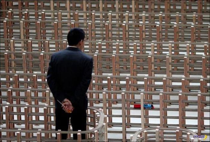 REUTERS/Carlos Barria) Энтузиасты из Шанхая собрали самый длинный в