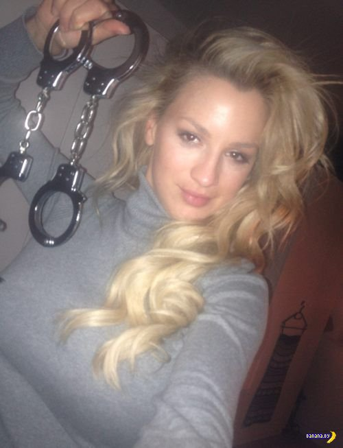 Джордан Карвер и ее фото из твиттера