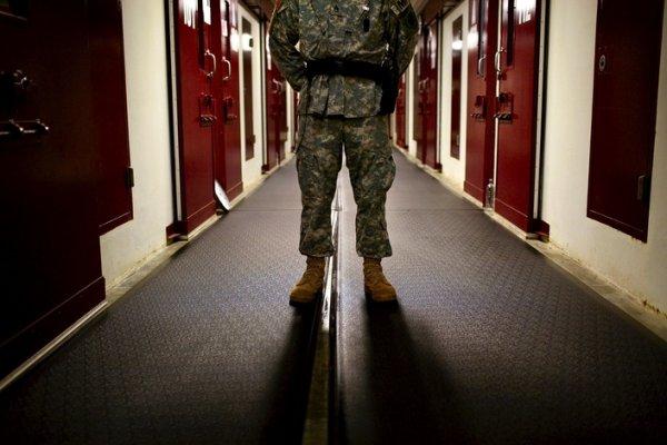 Каково это — быть надзирателем и заключенным в тюрьме Гуантанамо