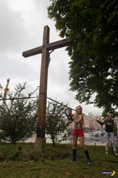 ФСБ похитила лидера FEMEN