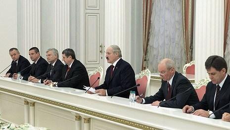 Лукашенко: нам везде все надо беречь